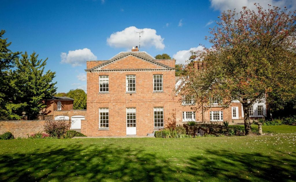 Abbey House, Large Group Accommodation Essex